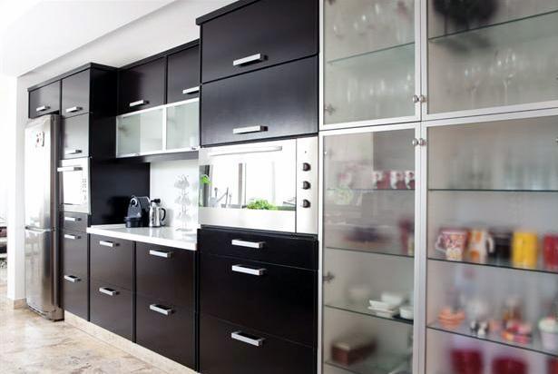 Una cocina minimalista y funcional for Mueble minimalista