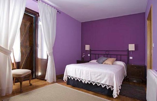 Si tu pieza es violeta te vas a cansar de mojar for Cuartos de ninas pintados