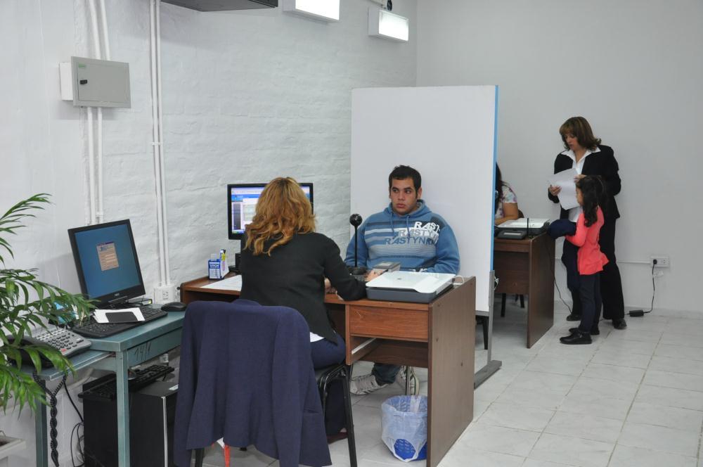 Inauguraron nuevas oficinas del registro civil for Oficina registro madrid