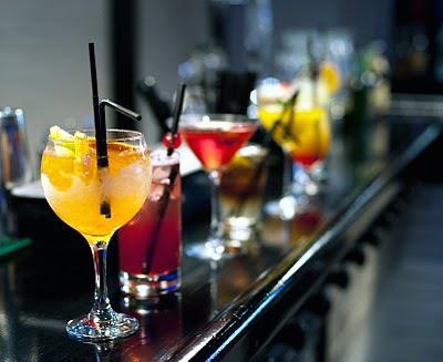 Sabes cu nto engorda realmente el alcohol for Copas y vasos para bar