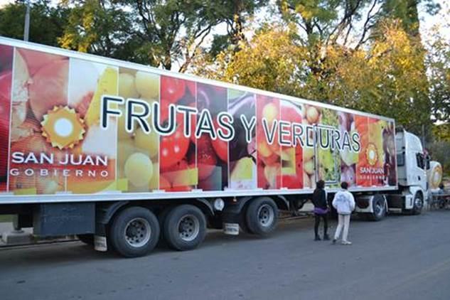 Resultado de imagen para foto del camion de frutas y verduras en san juan